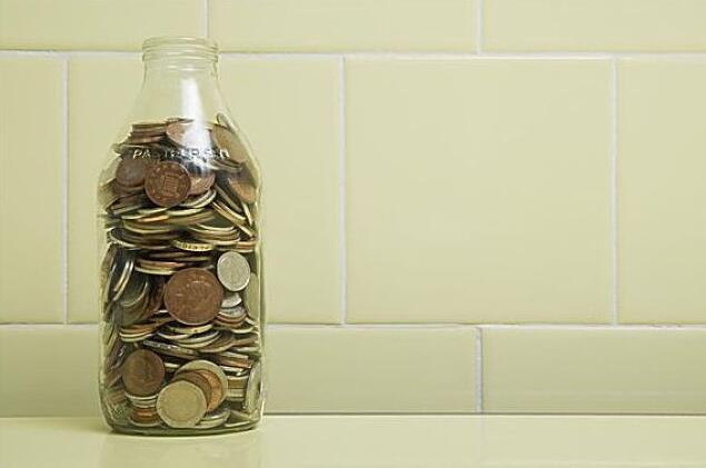 去年全国财政收入同比增长6.2%
