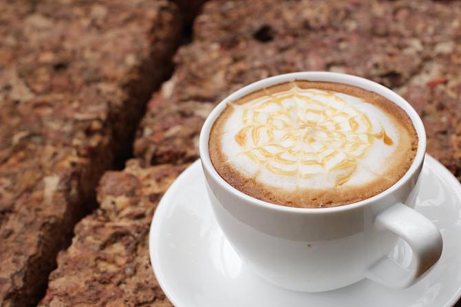 美研究表明每天喝4杯咖啡 或可降低酒渣鼻风险