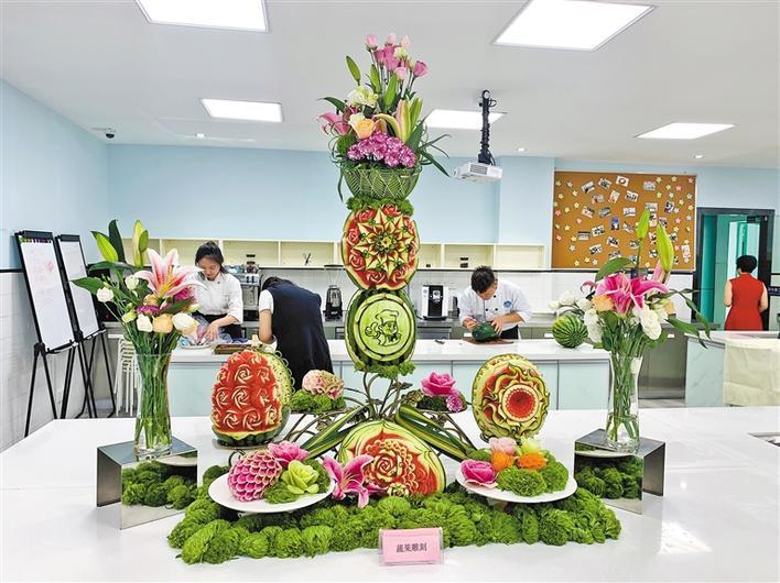 新利18体育app粤菜学院、新利18体育app国际烹饪学院揭牌