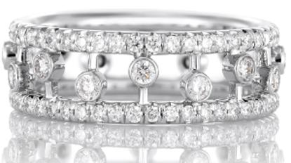 戴比尔斯珠宝相伴袁泉闪耀出席某品牌活动