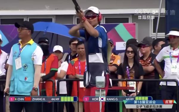 亚运会女子飞碟多向个人赛 龙岗运动员张鑫秋破纪录夺冠