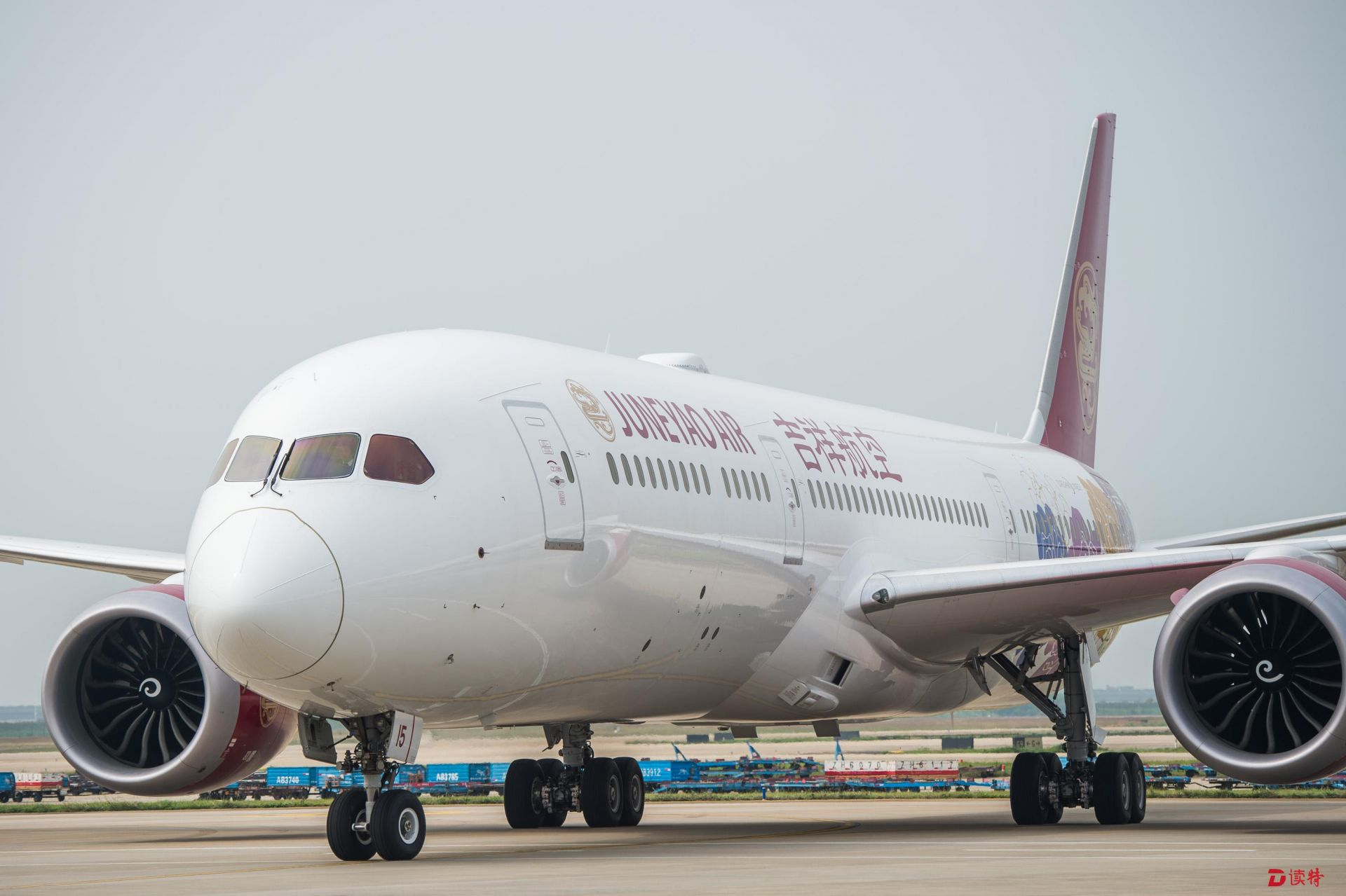 上海-深圳成为国内最繁忙航线 吉祥航空首架787梦想客机加入
