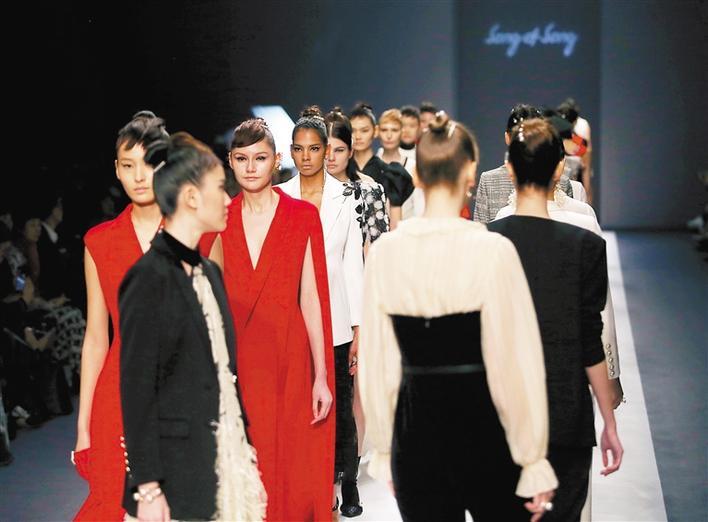 创新之城也是时尚之都 深圳时装周昨盛大开幕