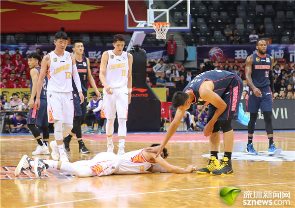 讲不出再见!CBA半决赛深圳烈豹0:4不敌广东结束赛季 球迷泪别