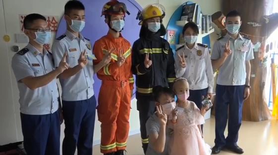 暖心!深圳消防蜀黎为重病女童过了一个特别的生日