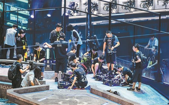 RoboMaster 2019机甲大师总决赛在深落幕图片
