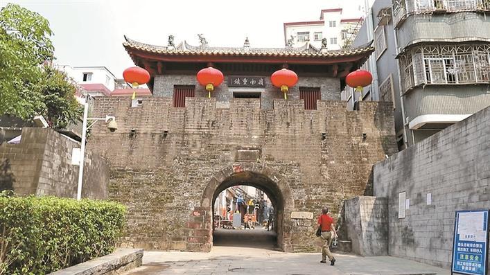 """为了留住记忆,深圳人在城里划了一条""""紫线"""",意义重大!"""