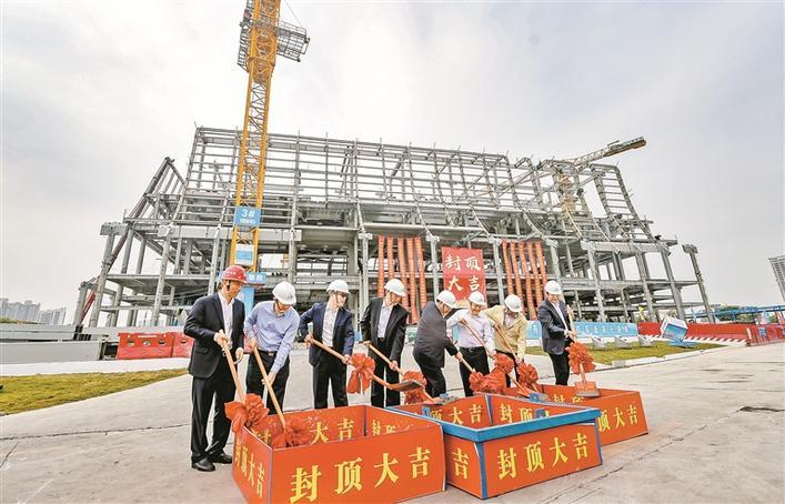 6800噸鋼結構塑造一流國際會議中心 前海國際會議中心封頂