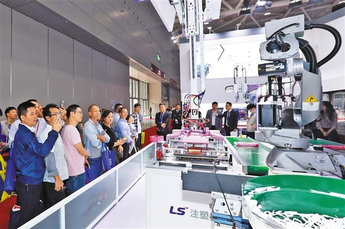 深圳国际会展中心迎来首个工业技术类专业展 智能制造成为亮点