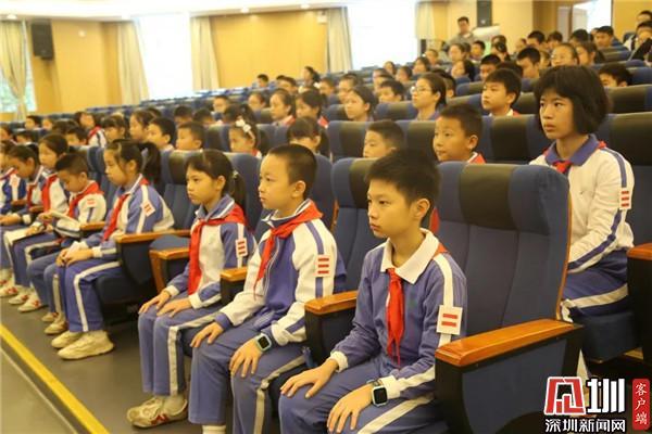 丹堤实验学校组织宪法日主题活动 弘扬宪法精神