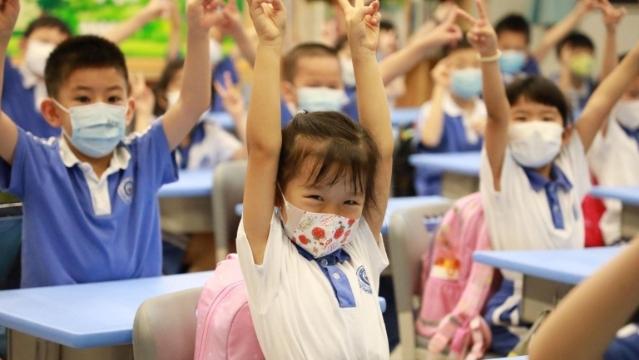 """今天,深圳340所小学1-3年级""""神兽""""返校(""""归笼"""")啦!"""