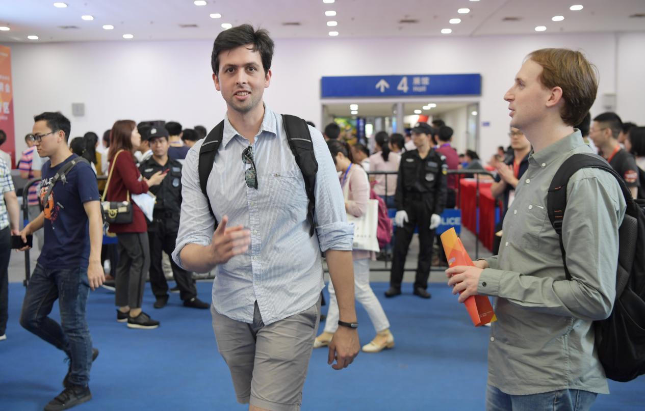 """?""""见圳40·外国人眼中的深圳""""邀您讲述特区建立40周年的故事"""