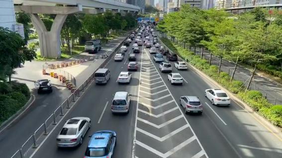 """组图:""""限外令""""恢复首日,深圳早高峰的交通情况如何?"""