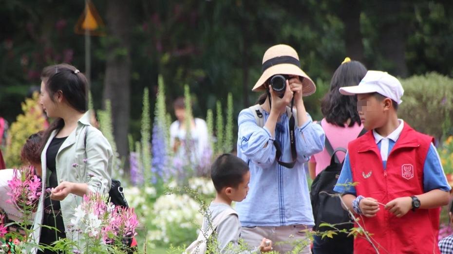 张玲说法|宝城律所执行主任曾常青谈民法典:发布他人照片需谨慎