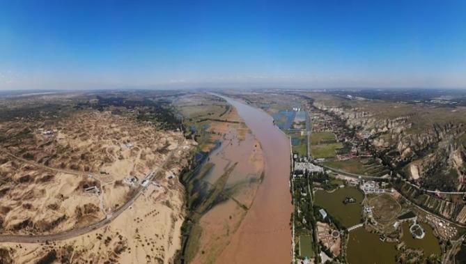 黄河托克托段:一边鱼米之乡 一边浩瀚沙漠