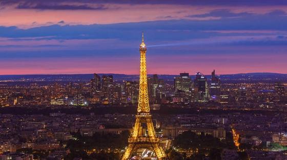 法国埃菲尔铁塔一段有百年历史的楼梯将被拍卖