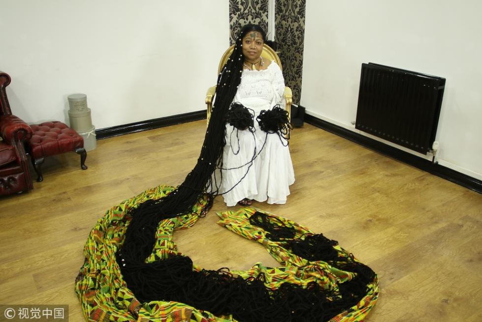 据介绍,asha mandela十年前打破了世界吉尼斯头发最长的纪录.图片
