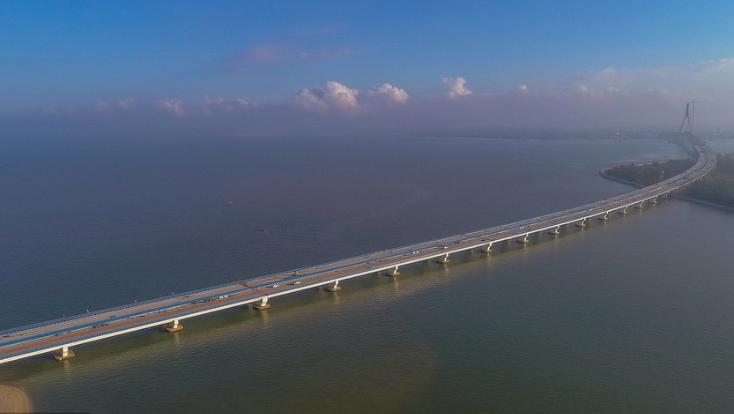 我国首座跨断裂带大桥年底建成通车 抗震达到八级