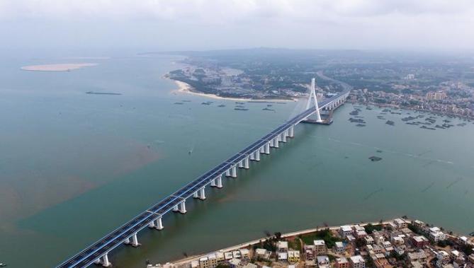 海南海文大桥建成通车