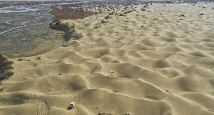 """一步千年,""""最后的沙漠部落""""迁移"""