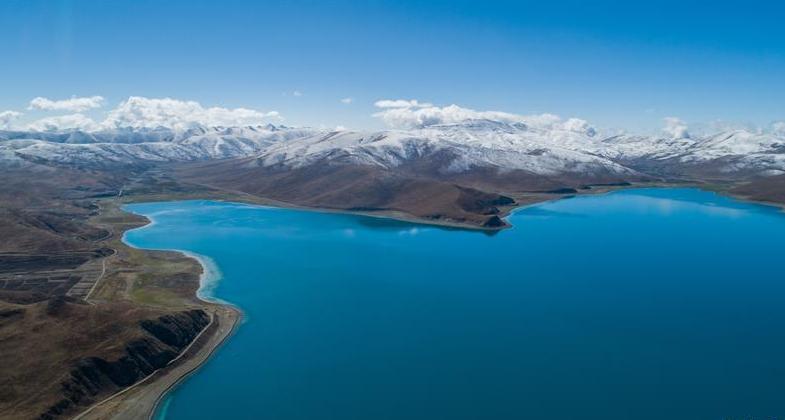 西藏三大圣湖之一 初夏羊卓雍错秀美如画