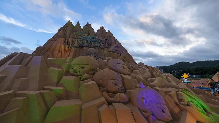 大闹天宫、小黄人…舟山沙雕节上的这些沙雕栩栩如生