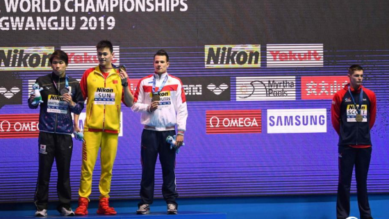 孙杨夺200米自由泳冠军 英国选手拒绝合影