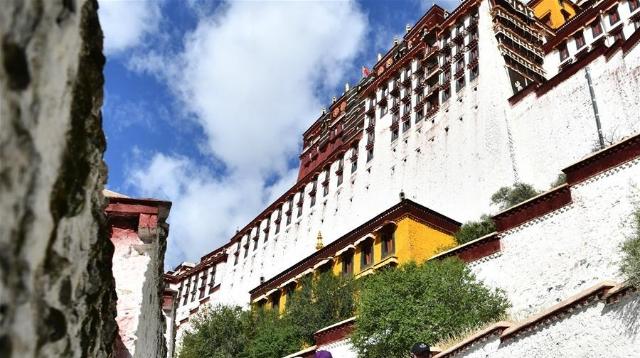 """新一轮""""冬游西藏""""启动 布达拉宫等景区免费开放"""