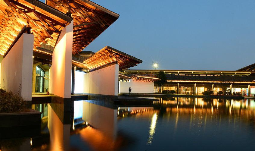 2019世界互联网大会:乌镇互联网国际会议中心夜景璀璨
