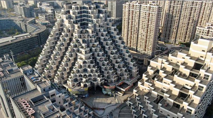 """苏州花桥网红建筑酷似""""金字塔""""盘点那些外形奇特的建筑物"""