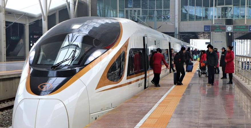 内蒙古:张呼高铁迎来春运首秀