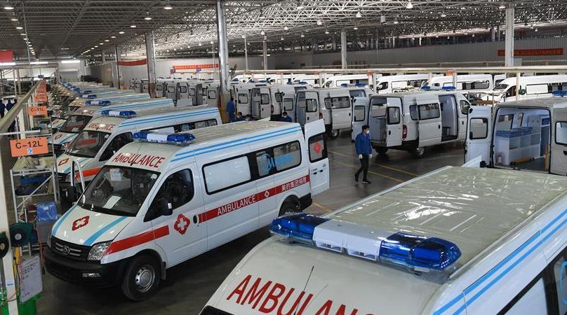 江苏无锡:加紧生产负压救护车