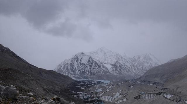 海拔5800米:挺进珠峰过渡营地