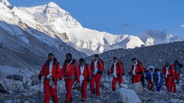 2020珠峰高程测量登山队安全返回大本营啦!