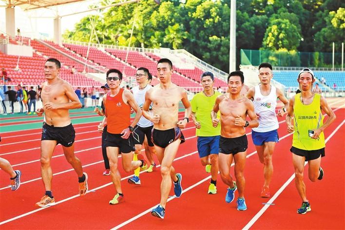 100家跑团中签南马 深圳最强战队开启魔鬼训练