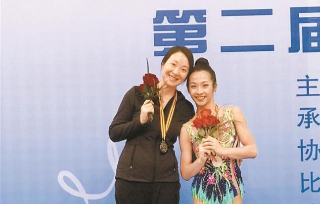 深圳艺体姑娘全国赛摘银