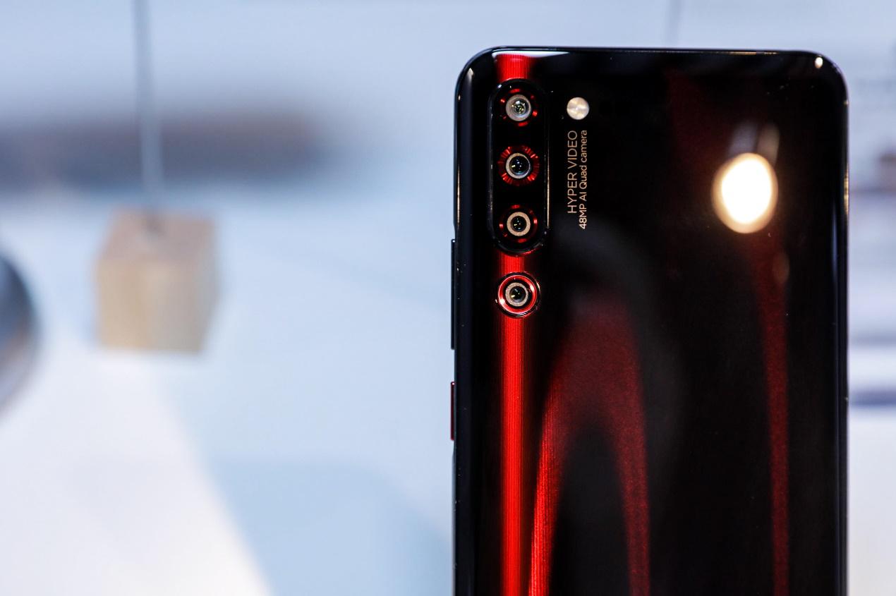 """诸多硬核产品亮相新品会联想 Z6 Pro领衔诠释""""生而向上"""""""