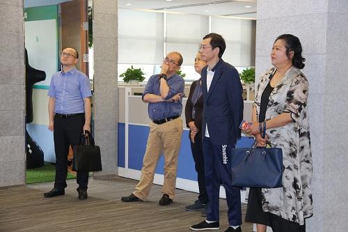 第九届深圳顾客满意服务明星专家组参观企业