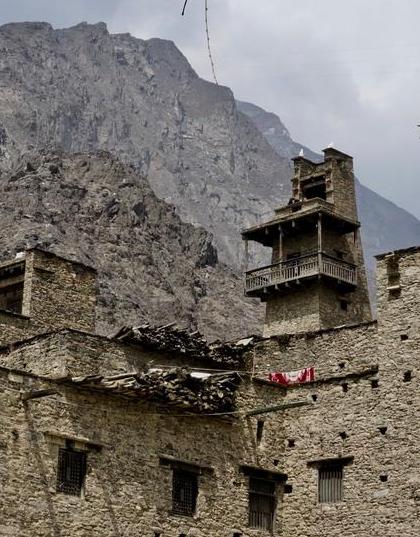 """世界上保存最完整的""""居住""""碉楼 享有""""天然空调""""美名"""