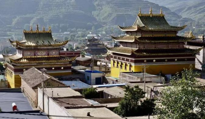 """热贡艺术之乡 建在海拔两千五百米的世界级""""非遗"""""""