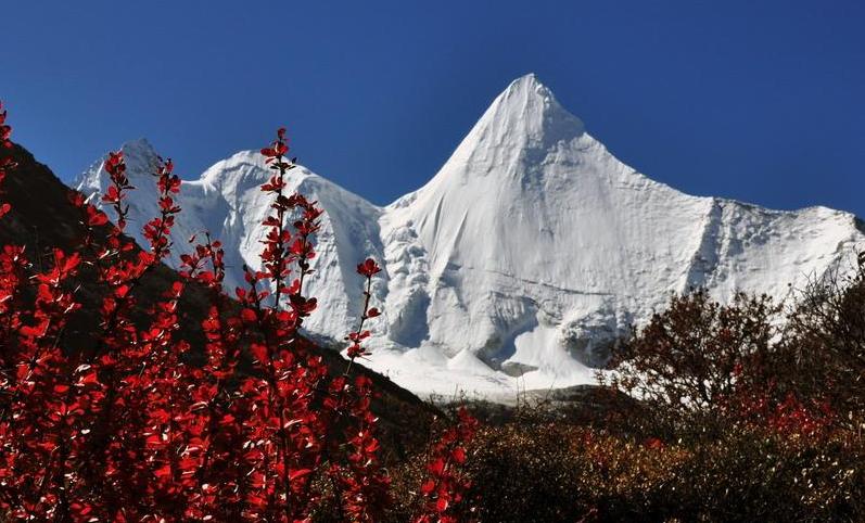"""被誉为""""中国香格里拉之魂""""的这个景区深秋时节最美"""