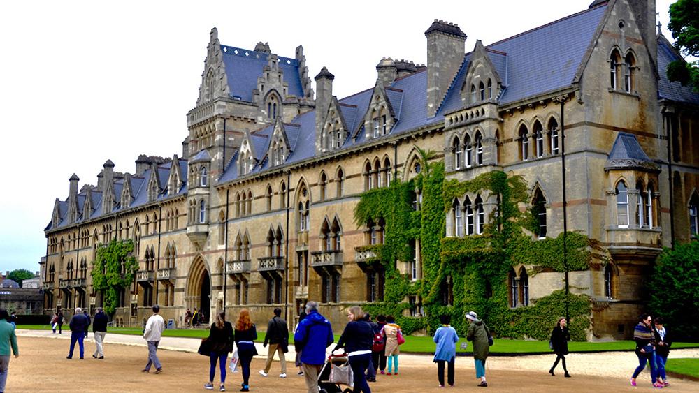 奇观天下 | 探访牛津大学:曾是牛群过河之地,如今……