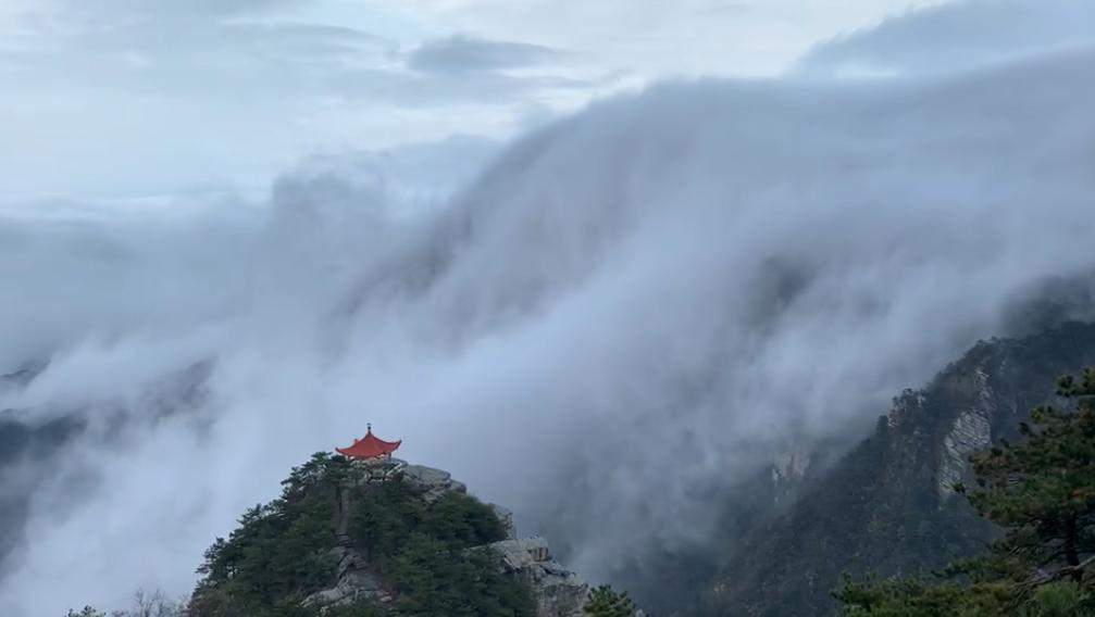奇观天下|罕见!庐山现壮观瀑布云(视频)