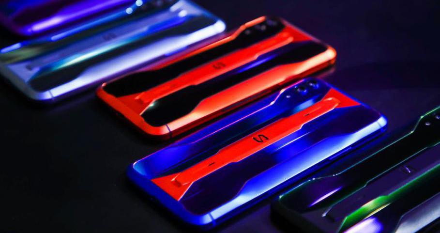 黑鲨游戏手机2 Pro上市赛博朋克风设计尽显潮流担当