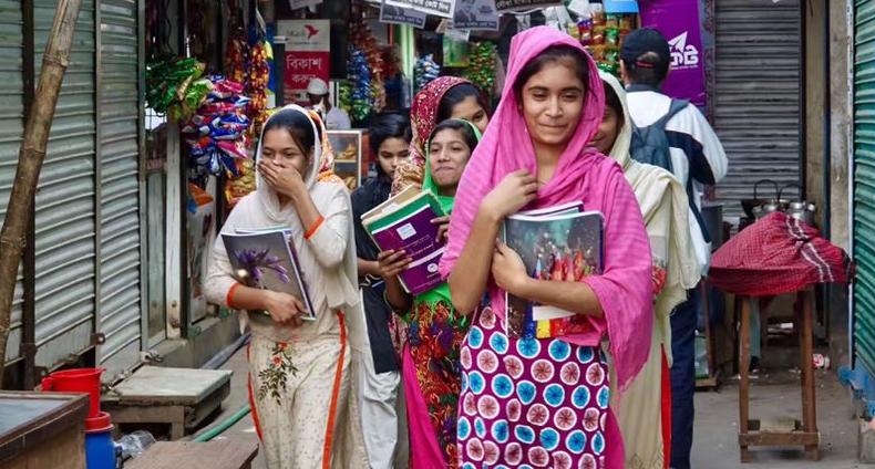 走进孟加拉国漫趣彩票网站:连贫穷都是鲜艳多彩的